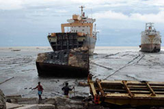 Gender Heroes 4: Working to get shipbreaking off the beach